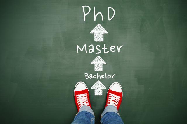 Học tiến sỹ khác học Đại học và Thạc sỹ như thếnào?
